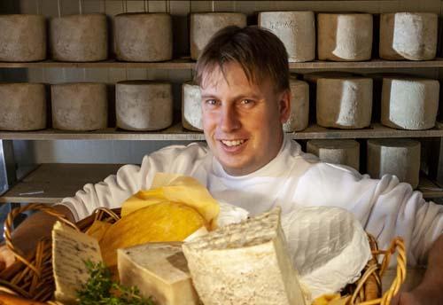 West Gippsland farmer David Johnson named in the top 100 of the Dairy Australia Milk Quality Awards.